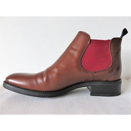 Boots Triver Flight
